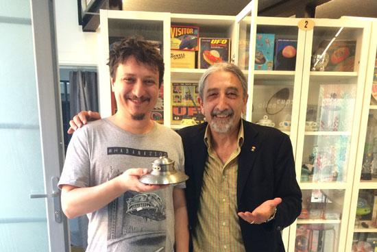 Mike Lorenzo junto con Giancarlo director del Museo UFO italiano